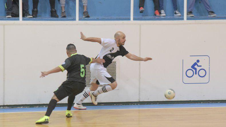 Con ocho partidos esta tarde continuará jugándose el torneo Apertura de fútbol de salón.