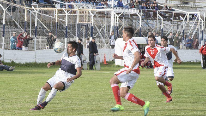 Jorge Newbery recibirá esta tarde a Petroquímica en un partido que se jugará sin público visitante.