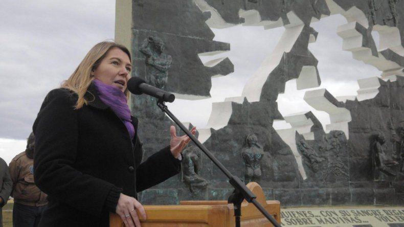 Bertone denunció que Macri quiere entregar Malvinas a Inglaterra