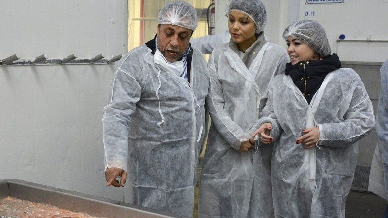 Las funcionarias provinciales visitaron la planta de Argenova donde comenzó a procesarse el recurso langostino. Antes habían visitado el predio que otorgó el municipio a otra empresa.