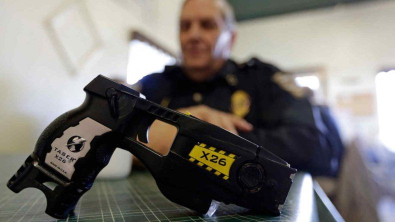 Para la compra de las 25 pistolas Taser  se gastarían casi 2 millones de pesos