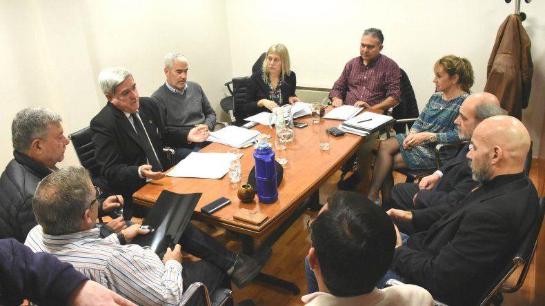 Miquelarena expuso en comisión de la Legislatura