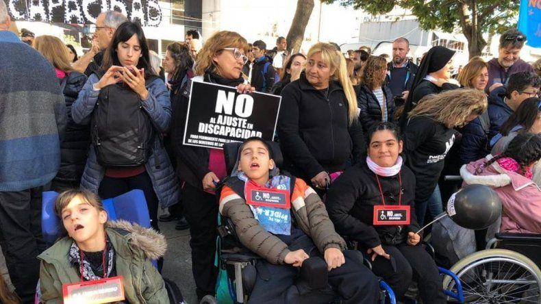 Reclaman por recortes presupuestarios a la Agencia de Discapacidad