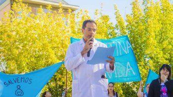el caso del medico que se nego a practicar un aborto en rio negro