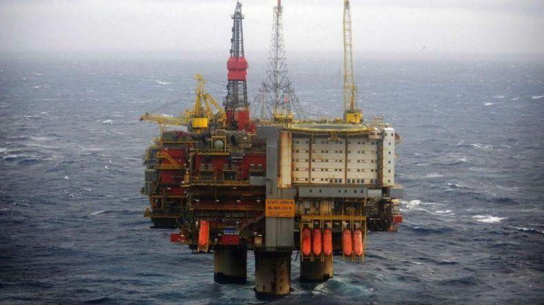 El Gobierno aprobó permisos para 13 petroleras en el Mar Argentino