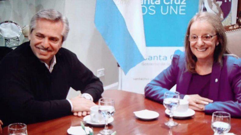 Fernández puso en valor las gestiones de Alicia Kirchner para pacificar la provincia