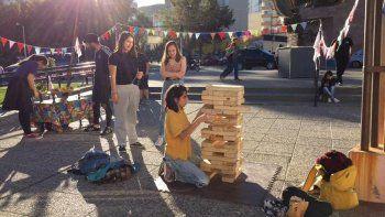 este domingo hay torneo de jenga en el centro cultural