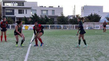 Deportivo Portugués goleó 4-0 a Santa Lucía en uno de los partidos de Primera Damas que se jugaron en cancha de Náutico Rada Tilly.
