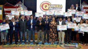 Además de favorecidos con premios, se entregó ayuda social a diversas entidades.
