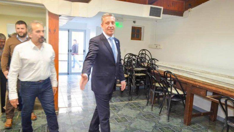 El gobernador de Chubut cumplió actividades ayer en Comodoro.
