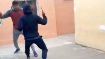 alumno saco una faca durante una pelea en una escuela