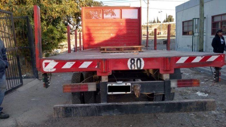 Un camión dio marcha atrás y aplastó a un nene de seis años
