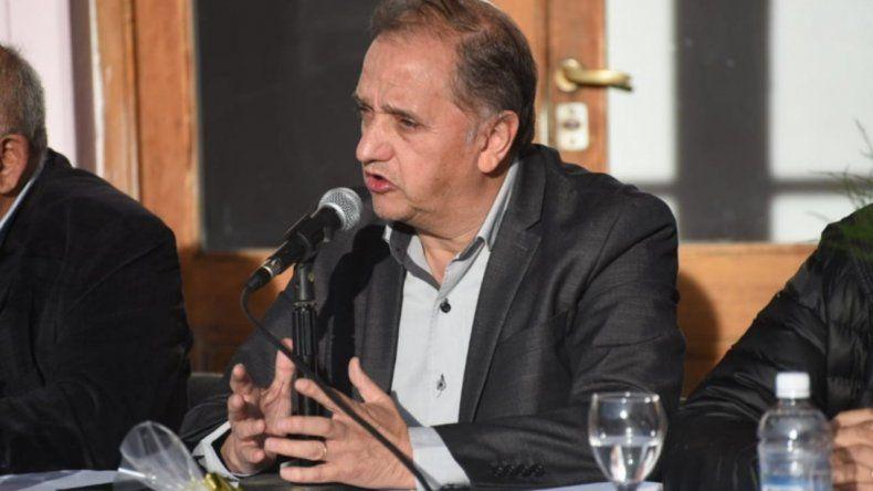 Linares: Arcioni no tiene autoridad moral para pedir la renuncia de nadie