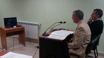 Abel Reyna junto a su defensor Guillermo Iglesias.