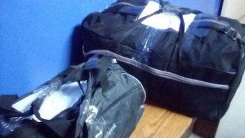 lo detuvieron cuando descarto dos bolsos con objetos robados