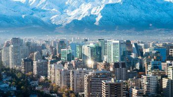 en invierno chile ofrece turismo urbano y tambien en plena naturaleza