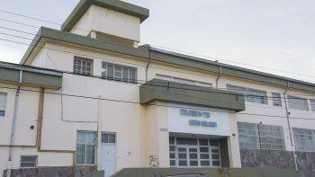 Los análisis determinaron que el agua del tanque de la escuela no es apta para consumo humano.