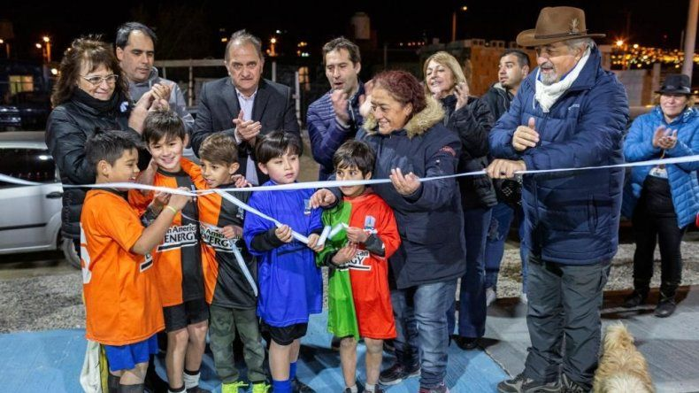 Quedó inaugurado el playón deportivo de Fracción XIV y XV