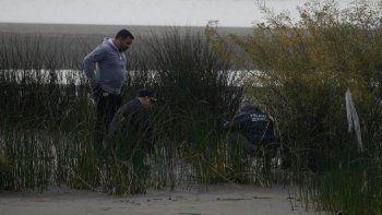 Encontraron restos humanos en una playa