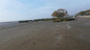 Los restos encontrados en una playa son de una nena de 5 o 6 años