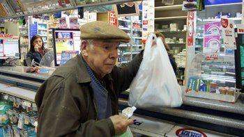 Jubilados destinan un 70% de sus ingresos a la medicina