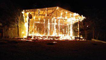 El fuego destruyó una vivienda del Cordón Forestal