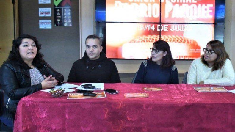 Integrantes de la agrupación Locutores Caleta
