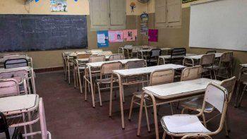 Alumnos incendiaron escuela y sus padres deberán pagar los costos