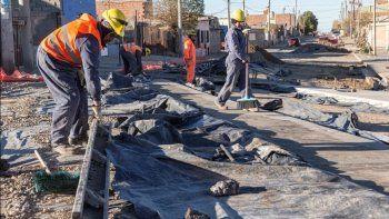El avance de la obra en una de las avenidas de la zona sur de Comodoro Rivadavia.