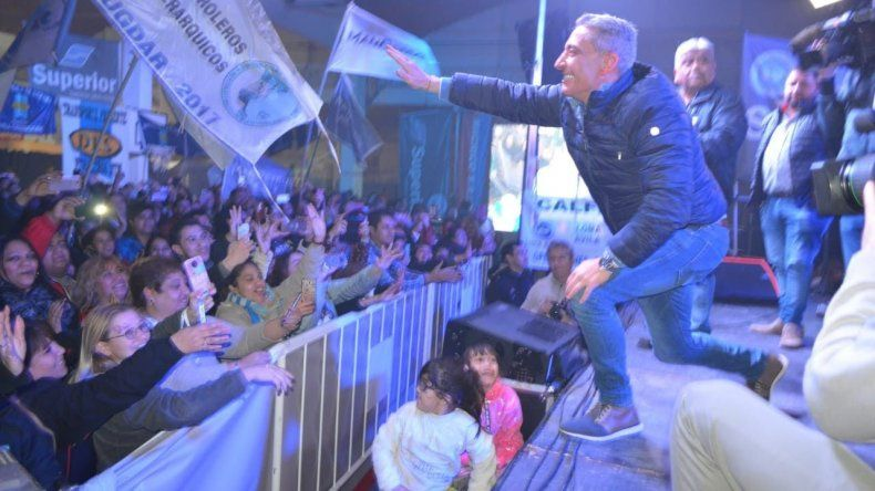 Arcioni aventajó a Linares por 21.648 votos y a Menna por más de 75 mil