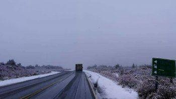 debieron interrumpir el transito en rutas 26 y 40 por nevadas
