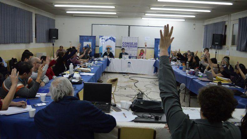 Los miembros que conforman el Consejo Superior de la UNPA se reunieron en Río Gallegos y definieron el cronograma electoral para elegir autoridades del rectorado y decanatos.