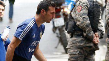 scaloni tiene en mente cuatro cambios para enfrentar a paraguay
