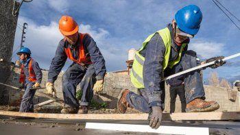 unos 4 millones invertidos en obras de pavimentacion en el barrio general mosconi