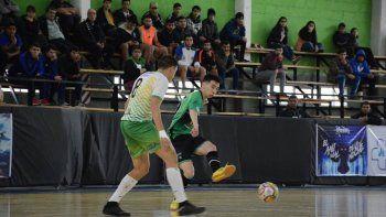 Comodoro Rivadavia logró ayer su tercera victoria en el Torneo Argentino de Selecciones A que se juega en la provincia de Santa Cruz.