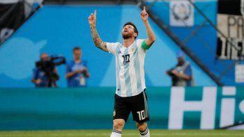 Lionel Messi, capitán de la selección argentina que esta noche jugará un partido clave ante Paraguay por la segunda fecha del grupo B de la Copa América.