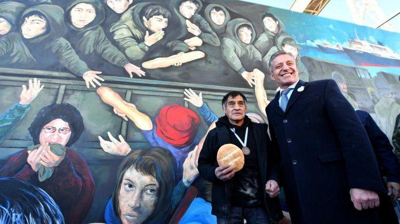 El mural El Regreso está ubicado en el muella Almirante Storni