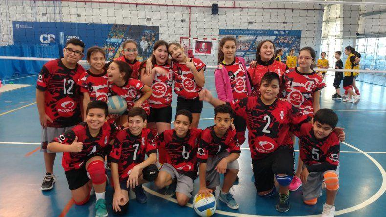 Savio presentó equipos de mujeres y varones.