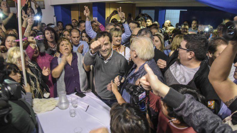 El viceintendente Juan Pablo Luque lanzó su precandidatura a jefe comunal de Comodoro Rivadavia con un acto en la sede del Partido Justicialista.