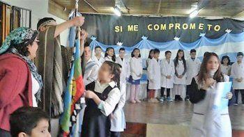 sumaron la bandera mapuche al acto de promesa