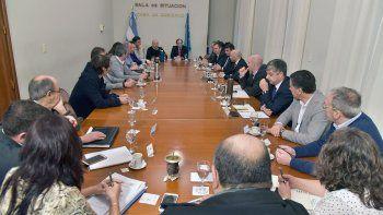 En la reunión de gabinete se discutieron los temas prioritarios en la agenda del gobierno.