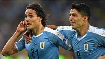 uruguay le gano a chile y termino como lider del grupo c