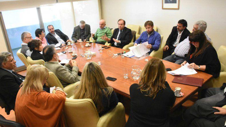 Garzonio y Tarrío explicaron a diputados la reformulación de la deuda