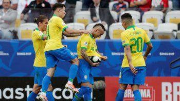Brasil viene de golear a Perú y quiere meterse entre los cuatro mejores de la Copa América.