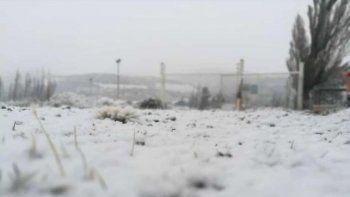 los alrededores de comodoro cubiertos de nieve