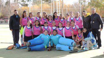 La selección Sub 14 de la Asociación Austral debutó con un empate ayer en el Torneo Regional de hóckey sobre césped que se disputa en Trelew.
