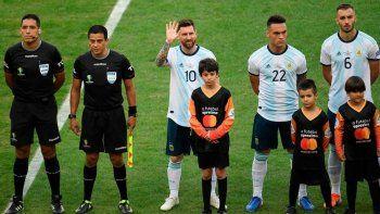 Messi cantó el himno y es tendencia