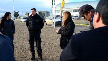 Personal de diferentes áreas del municipio y de la Policía recorrieron ayer la zona que se utilizará para el desfile.
