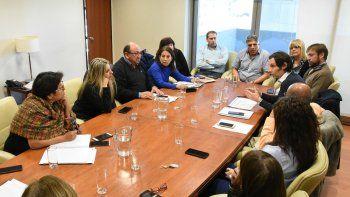 Legisladores recibieron a integrantes del directorio del Instituto de Seguridad Social y Seguros.