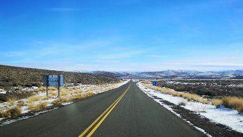 ¿Viajás? Rutas húmedas y sectores con nieve
